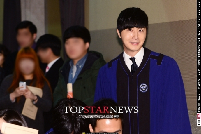 Press Photo Graduation48