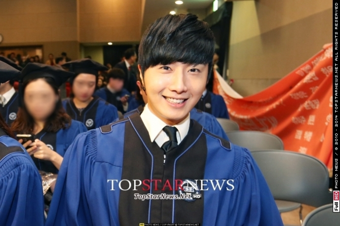 Press Photo Graduation49